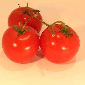 Ever tried to peel a tomato? What's the trick? #peelingfruits #peelatomato #cookingtips #cookingtechniques #recipes #recipeideashop