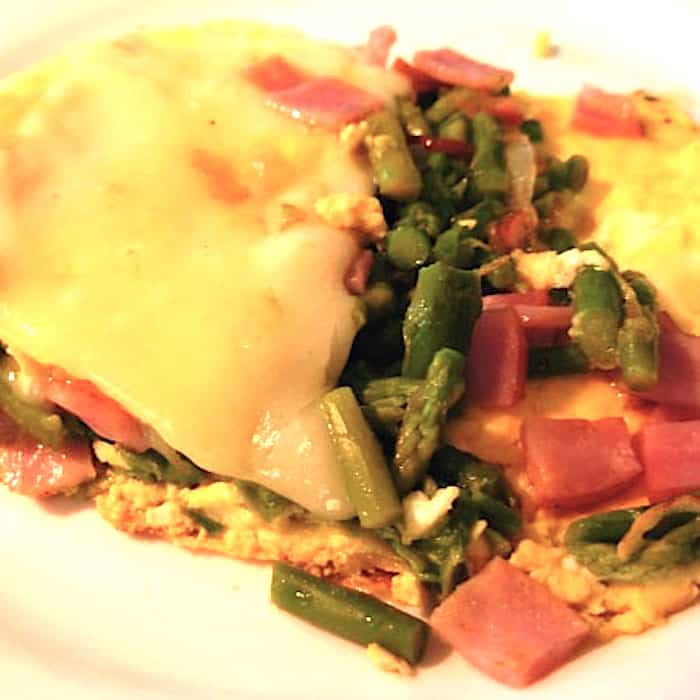 Asparagus Omelet (With Ham) using leftover asparagus