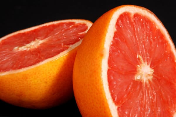 Losing weight with the Grapefruit diet. Creative commons license: Photo courtesy of Flickr.