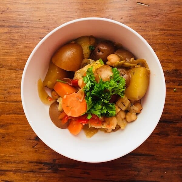 Mediterranean Chickpea Stew. A tasty, healthy, vegan and gluten free meal-in-one. #mediterraneanchickpeastew, #mediterraneanvegetablechickpeastew, #recipeideashop, #mediterraneandiet