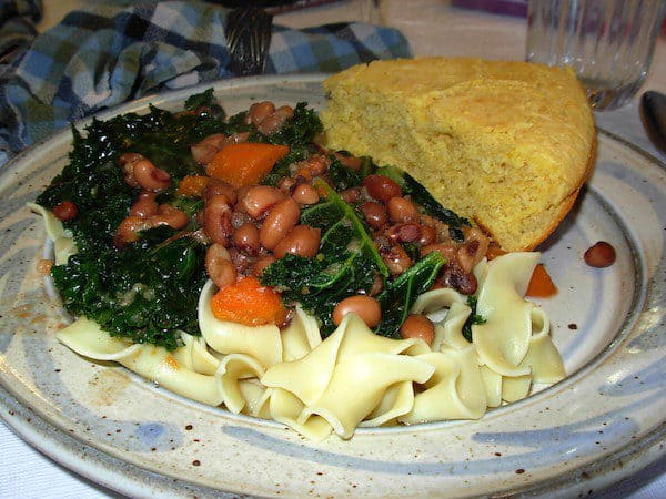 Slow Cooker Black Eyed Peas and Kale