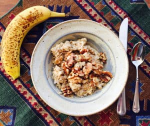 Oatmeal with Walnuts