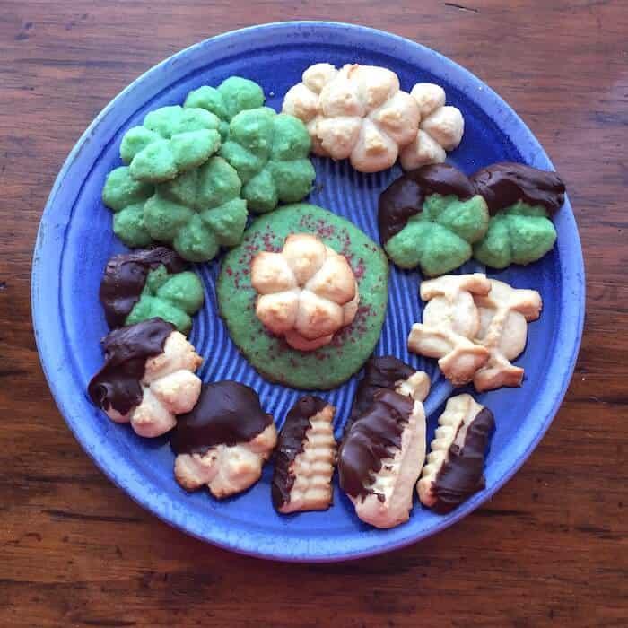 Holiday Spritz Cookies, simple Christmas Cookies.