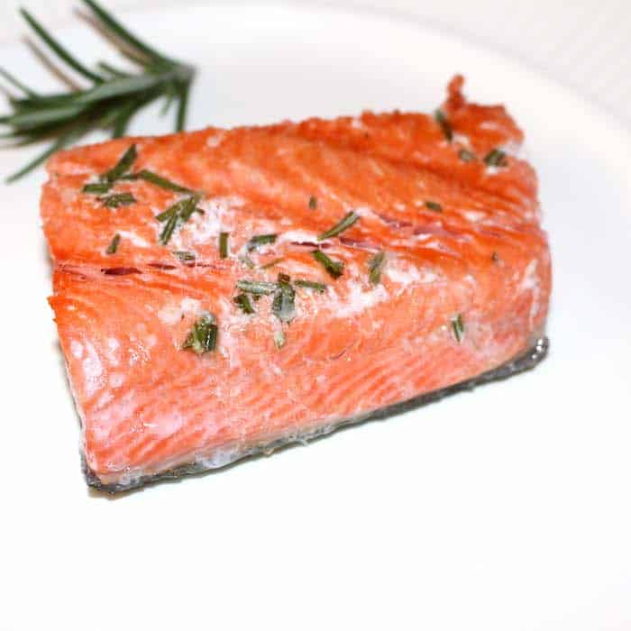 South Beach Lemon Garlic Grilled Salmon only uses 7 ingredients.