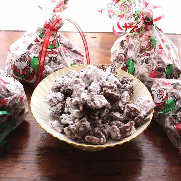 Puppy Chow Cookies make great gifts.